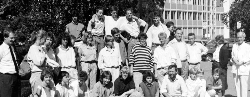 This group of youngsters went to Scotland with the Kreisjugendpfleger Konrad Garske (first row) in 1987. It was the last international youth meeting in West Lothian directed by the Kreisjugendpfleger.